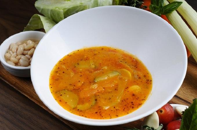 Zuppa di Fagioli e Cipolle